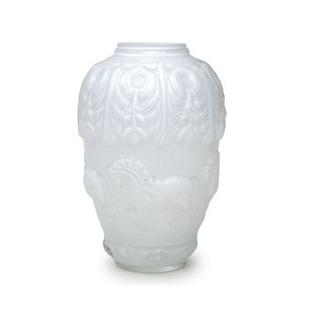 vaso de vidro em alto relevo cavalos cor branco leitoso 20877479 1 20181210150802