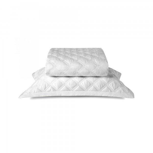 colcha com porta travesseiro off white